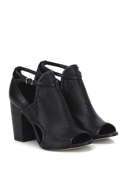 Salvador Ribes - Scarpa con tacco - Donna - Scarpa con tacco open toe in pelle laserata e pelle con cinturino alla caviglia, suola in cuoio, tacco 90. - NERO - € 154.00