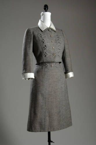 Suit    Mainbocher, 1958    The Chicago History Museum