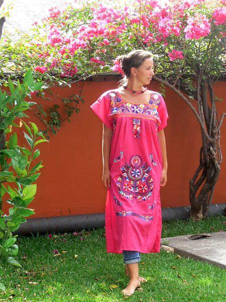 Handbesticktes Kleid *RASALA* L von ModaFrida - Mexiko auf der Haut auf DaWanda.com
