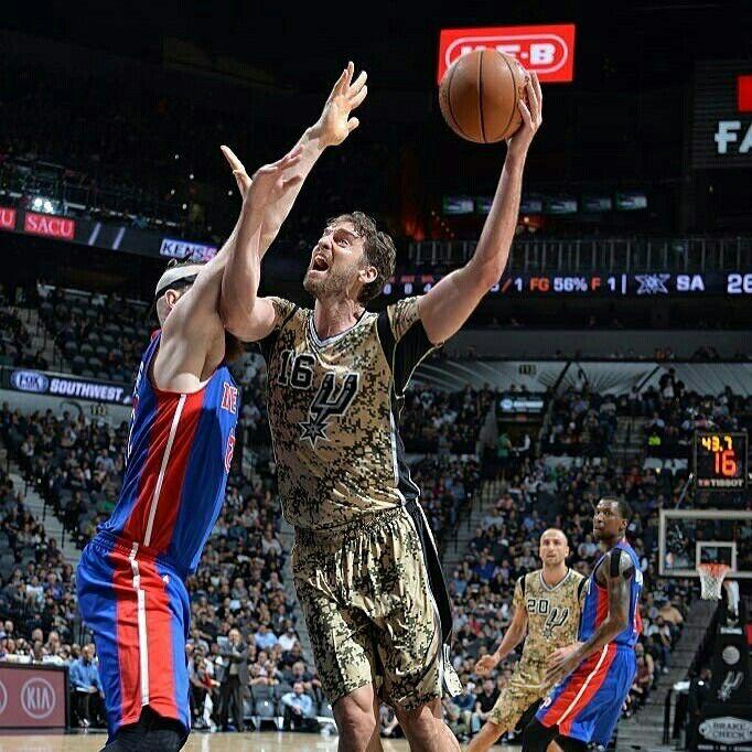 Great game tonight to beat the Pistons at home! #GoSpursGo #HappyVeteransDay  Gran partido para ganar a Detroit esta noche en casa! Mañana más! #GoSpursGo