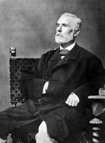 felsőgyőri Nagy Iván   (Balassagyarmat, 1824. június 18. – Horpács, 1898. október 26.)  Az egyik legnagyobb hatású magyar genealógus, heraldikus, történész. Magyarország családai című műve ma is alapvető forrás a családkutatók számára.