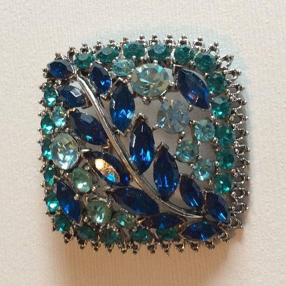 Beautiful WEISS Blue Rhinestone Brooch Unsigned Classic Vintage Designer Jewelry
