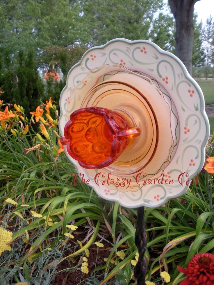47 best glass garden art flowers images on pinterest for Recycled flower art