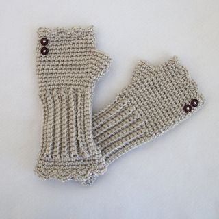 """Victorian texting gloves"" (free pattern)"