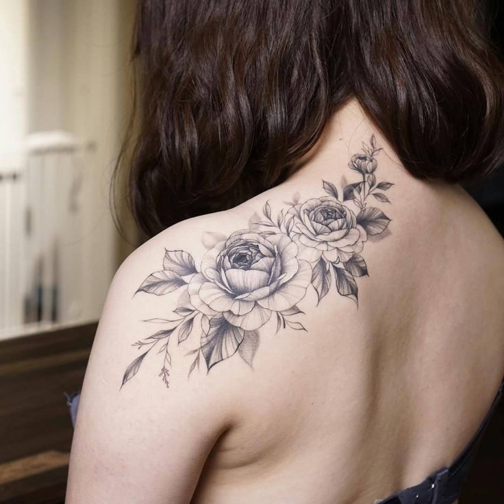 10 Floral Tattoo Artists You Could Trust Your Skin To: Gentle Flowers Tattoo By Silo