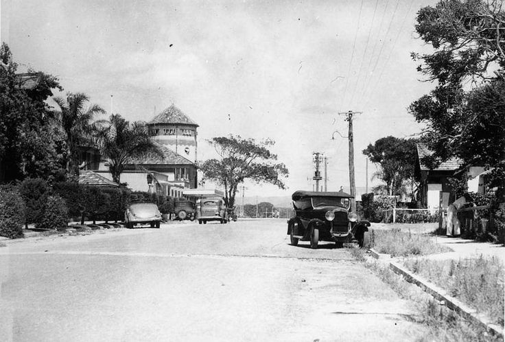 Quiet street scene in Cavill Avenue, Surfers Paradise, ca. 1938 - A few parked cars line an otherwise quiet Cavill Avenue at Surfers Paradise on the Gold Coast.