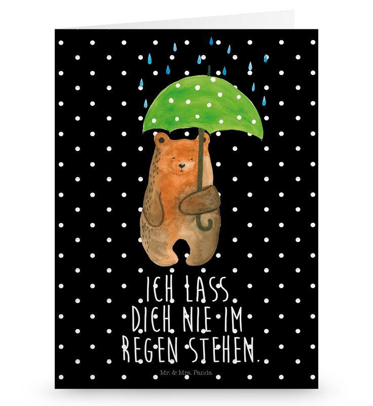 """Grußkarte Bär mit Regenschirm aus Karton 300 Gramm  weiß - Das Original von Mr. & Mrs. Panda.  Die wunderschöne Grußkarte von Mr. & Mrs. Panda im Format Din Hochkant ist auf einem sehr hochwertigem Karton gedruckt. Der leichte Glanz der Klappkarte macht das Produkt sehr edel. Die Innenseite lässt sich mit deiner eigenen Botschaft beschriften.    Über unser Motiv Bär mit Regenschirm  """"Ich lasse dich nie im Regen stehen"""" - das gilt für unsere Freunde, für unsere Familie und für unseren…"""