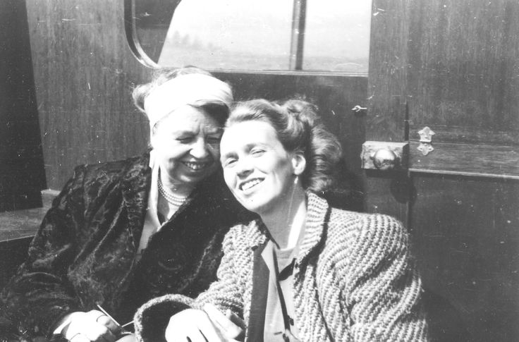 Eleanor Roosevelt and Anna Roosevelt 1941, .❤♡❃❋✽✾❀❃♡❤ http://www.fdrlibrary.marist.edu/aboutfdr/biographiesandmore.html