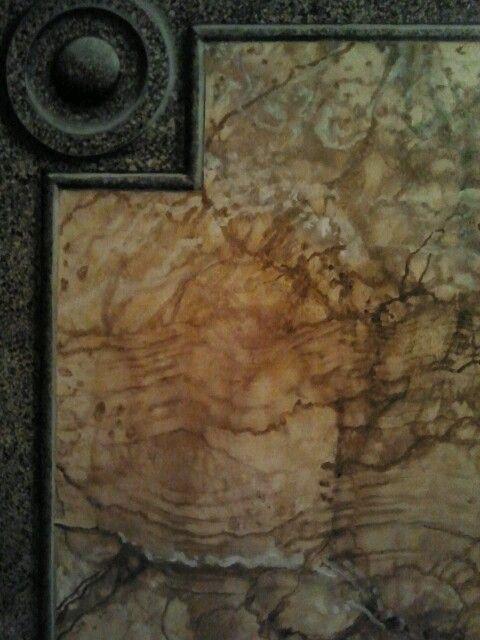 Imitacion de granito y marmol con falsas molduras - Molduras de marmol ...