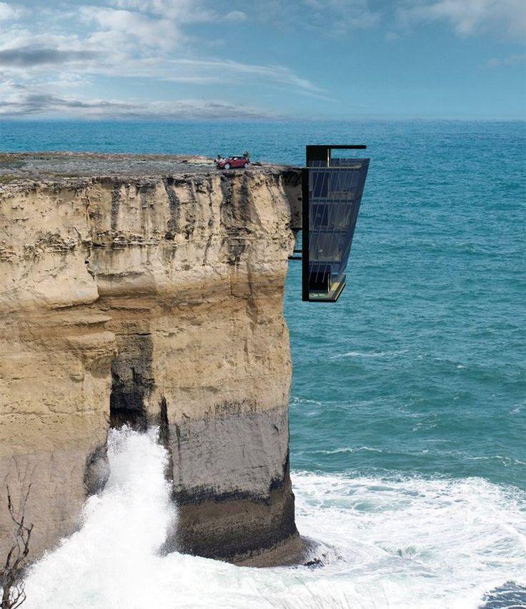 """Repérée par Inhabitat et baptisée à juste titre Cliff House (""""la Maison Falaise""""), elle est littéralement accrochée à la façade d'une falaise, sur le même principe que celui des crustacés qui se collent à la coque d'un bateau. Sa construction est rendue possible par des chevilles métalliques implantées dans la roche, permettant de fixer la maison. falaise 2La maison est fixée à même la roche. © Modscape Concept"""