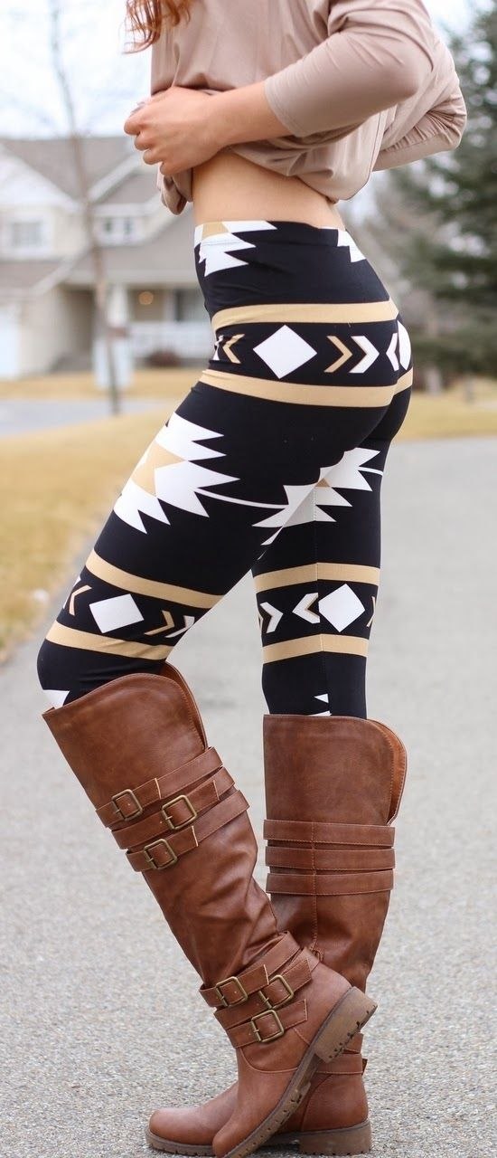 Lovely navajo aztec (these are two waaaay different tribes!) leggings and long boots ... But I love the leggings