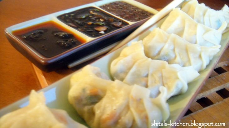 Shital's-Kitchen: Hand Rolled Potsticker Wrappers