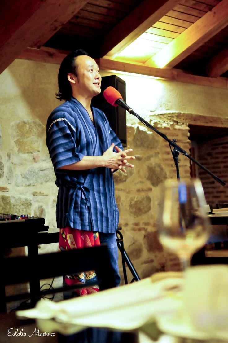 Yoshi Hioki en sesiones golfas con cuentos en el Restaurante La Bruja - 21 de marzo -  Fotografía de Eulalia Martínez