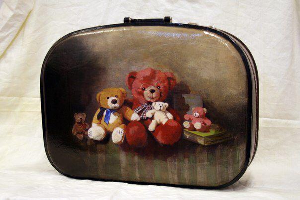 Декор винтажного чемодана в стиле Мишек Тедди