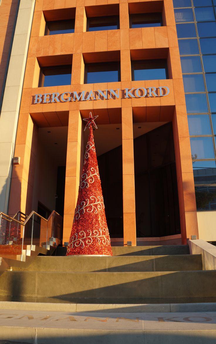 "Happy Hairy Merry Xmas by Bergmann Kord Μοιραζόμαστε Χριστουγεννιάτικες ευχές ""ντύνοντας"" με γιορτινή διάθεση την καθημερινότητά μας."