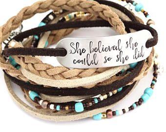 "Women's Leather Bracelet - ""ze geloofde dat ze kon deed ze"" - inspirerende Hand Armband leder Boho Wrap sterke vrouw Survivor Stamped"