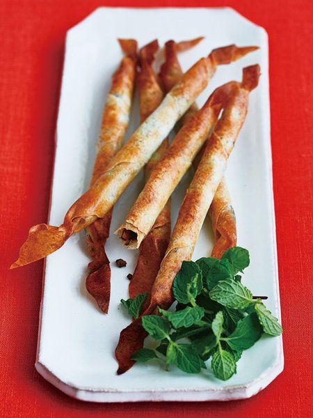 Recipe:牛挽き肉とシナモンの揚げない春巻き/カリッとした歯応えでワインつまみにも◎ #レシピ