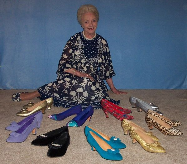 I have wanted to try this for years and would like to get her book. Make Your Own Shoes by Mary Whales Loomis
