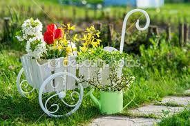 Oltre 1000 idee su giardino carriola su pinterest fioriera carriola giardino di fiori e - Carriola in legno da giardino ...