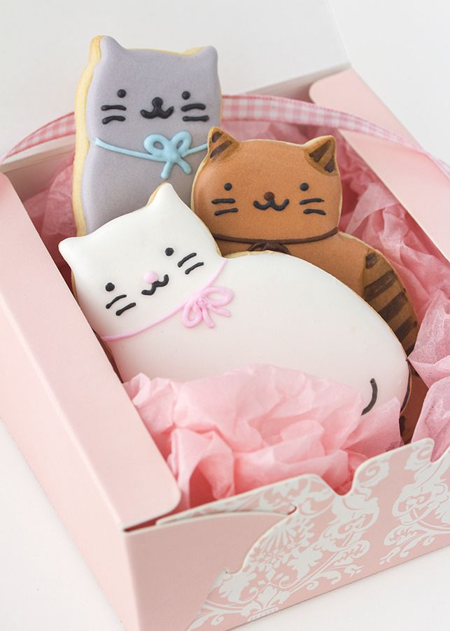 . decorated cookies - cats aa