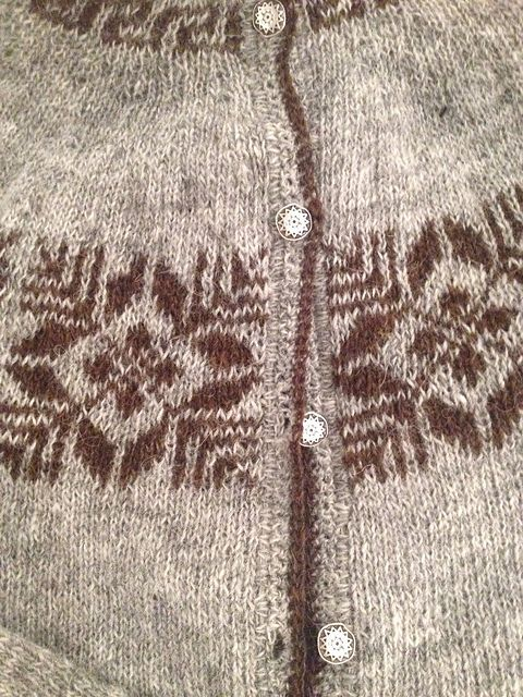 Ravelry: hodgun's Þjóðbjörg by Móakot - a beautiful old Icelandic pattern