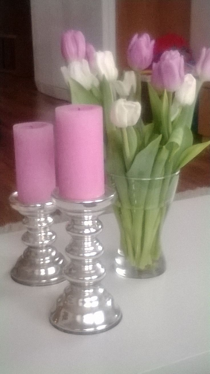 heikkouteni; kynttilät ja kukat :)