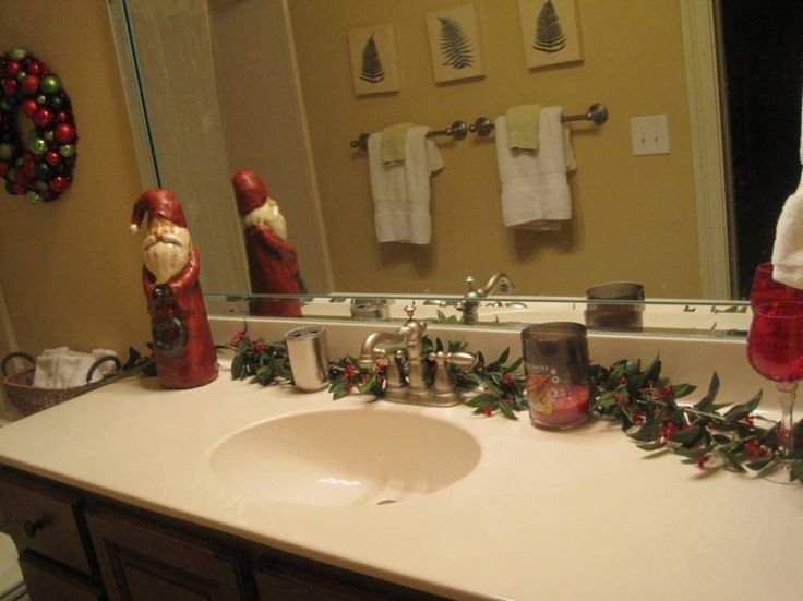 Bathroom decor for Christmas