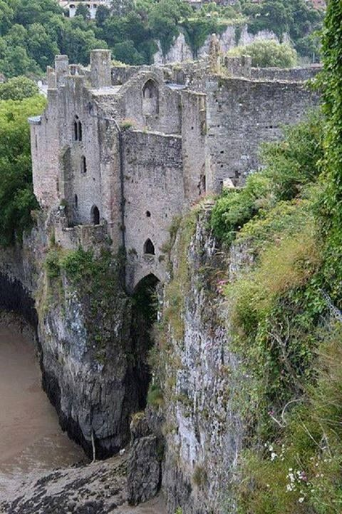 pxx812:  Chepstow Castle, near the River Wye which separates England and Wales