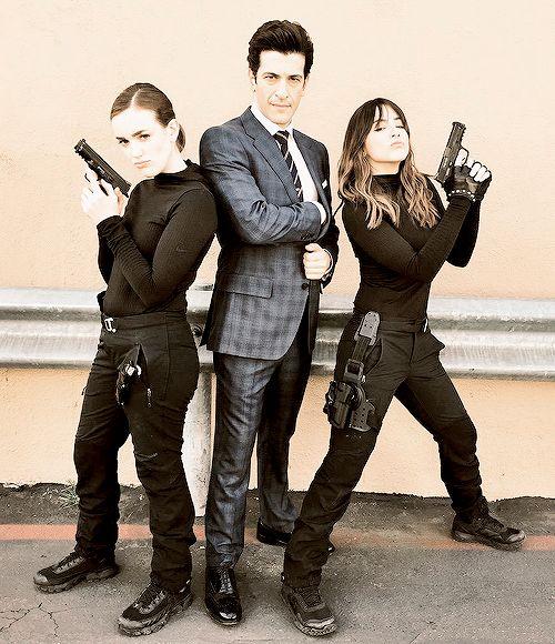 Elizabeth Henstridge, Simon Kassianides and Chloe Bennet #Marvel Agents of…