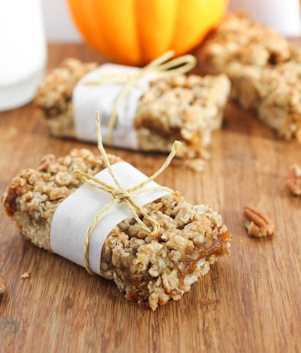 Pumpkin Butter Bars & recipe to make pumpkin butter as well, easy looking recipe Yay!!!