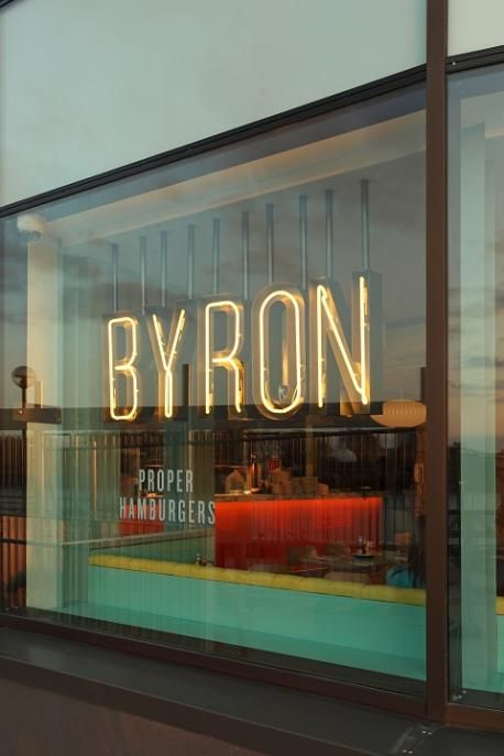 Byron burgers - missing my favorite burger place in London! Signage over wallcovering?