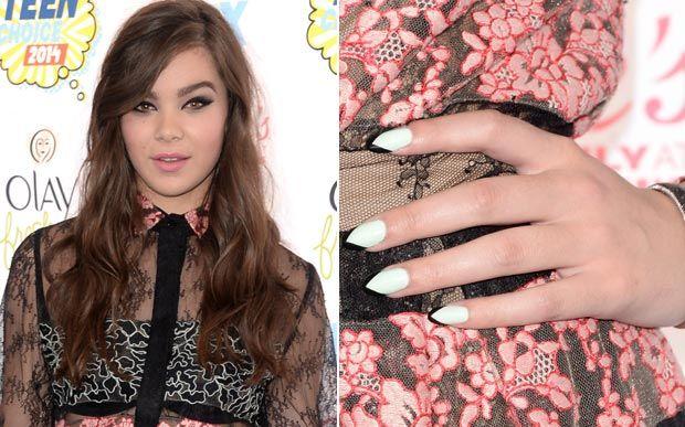 Nail arts incríveis e muito laranja. Veja as unhas das famosas no Teen Choice Awards - Beleza - CAPRICHO