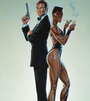 Grace Jones, ícono de ébano -  En 1985 intervino en una película de la saga de James Bond, Panorama para matar, con Roger Moore