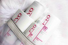 Um dos lançamentos da linha FYO Profissional da Jequiti é a coleção DD Cream 12 Benefícios. Otratamento completo, que inclui shampoo, condicionador, máscara de hidratação ebalm finalizador, confere12 benefícios ao fios. Dá uma espiadinha em cada um deles… Os 12 benefícios dos produtosJequiti DD Cream 1 – Anti-idade 2 – Nutrição 3 – Regeneração 4 – Redução de quebra 5 – Hidratação 6 – Fortalecimento dos fios 7 – Selagem de pontas duplas 8 – Brilho 3D 9 – Controle de frizz 10 – Proteção…