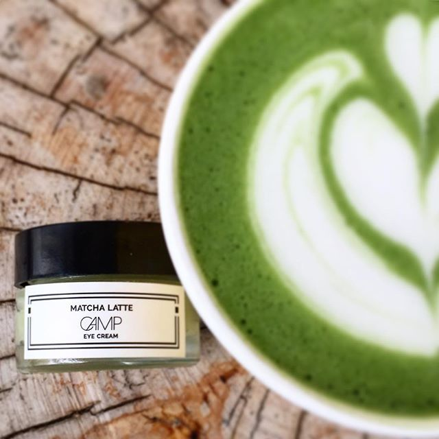 MATCHA LATTE EYE CREAM 🍵. Formulated with soothing cucumber seed oil, circulation-boosting Matcha green tea & brightening green coffee bean oil, this nourishing eye cream instantly refreshes, tones & hydrates the delicate eye area. Skin's appearance is improved on a cellular level as fine lines caused by UV damage are diminished, puffiness is reduced, & moisture is replenished.  Made with: Mango Seed Butter•Shea Butter•Camellia (Tsubuki) Seed Oil•Matcha Green Tea•Pomegranate Seed…