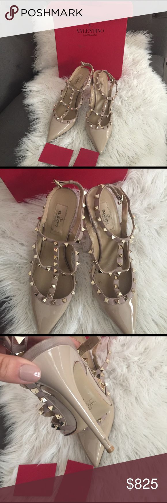 Valentino Rockstud pumps!! Cream Valentino Rockstuds. Worn 4 times, little scratch on heel of right shoe. Otherwise, in great condition! Perfect for spring, ladies! Valentino Shoes Heels
