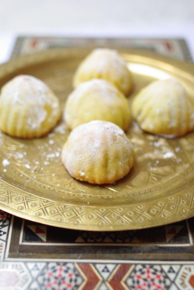 Aujourd'hui je vous présente LE gâteau des fêtes en Syrie etau Levant plus généralement(avec le Liban et la Palestine), que ce soit les fêtes musulmanes (Aïd el fitr et Aïd el adha) ou les …