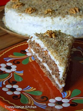 Tort cu nuca (reteta ungureasca) ~ Bucatar maniac si prietenii
