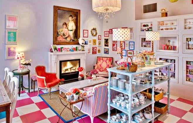 Crown & Crumpet Tea Salon em O mundo visto por lentes cor de rosa: Cafés e Casas de Chá, ou seriam casas de bonecas? Parte 2.