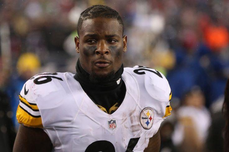 Le'Veon Bell extremos de exclusión y se reincorpora a los Steelers