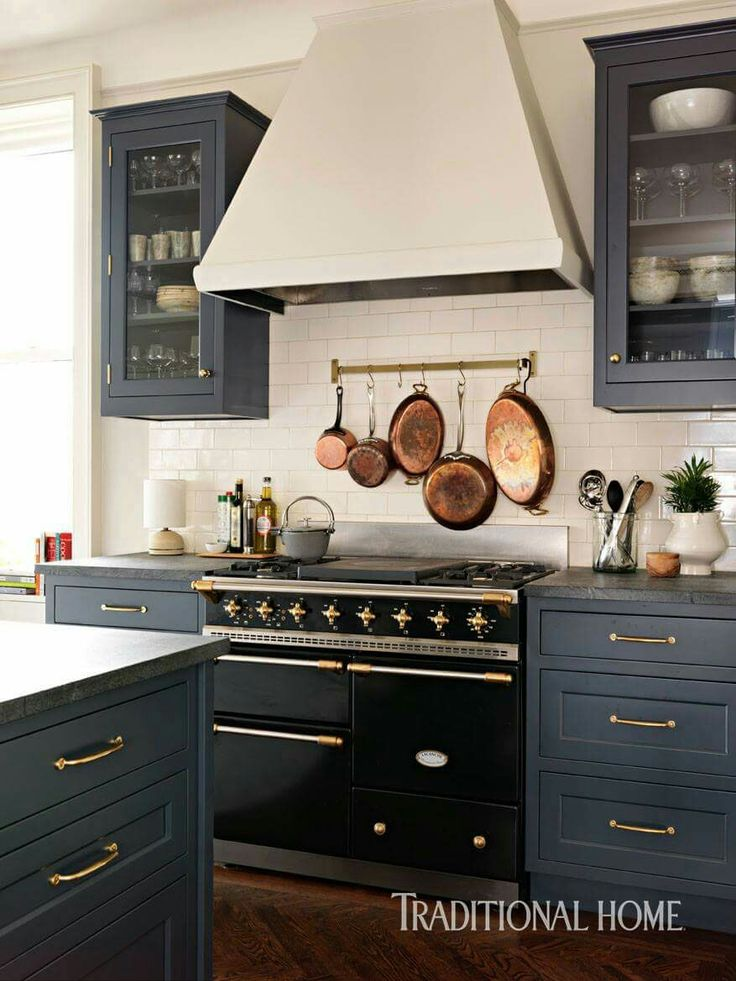Love the old oversized stove!!!