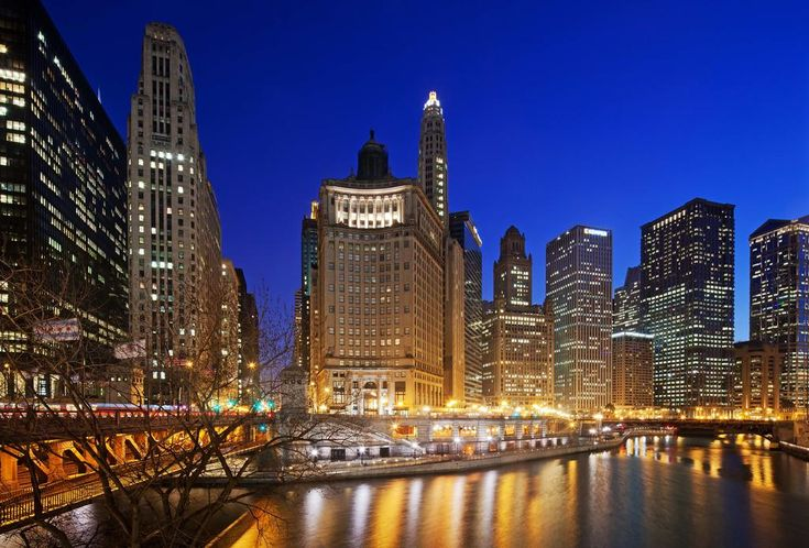 $309 Sitting on Michigan Avenue and the Chicago River in a historic landmark building, LondonHouse features Chicago's only tri-level rooftop bar.