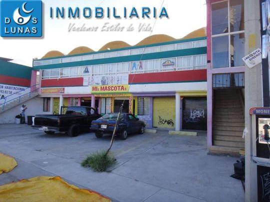 ATENCIÓN INVERSIONISTAS, PLAZA COMERCIAL EN VENTA,  TERRENO 320 m2 CONSTRUCCIÓN 250 m2 5 LOCALES EN PLANTA BAJA SALÓN DE EVENTOS CUENTA CON TODOS LOS SERVICIOS 5 CAJONES DE ESTACIONAMIENTO BUENA UBICACIÓN CALLE MUY AMPLIA, NO SE BATALLA DE ESTACIONAMIENTO (RENTA DEL SALÓN $3,000.00, RENTA DE LOCALES $1,250,000.00 C/U MENSUALES) PRECIO DE VENTA: $2,200,000.00 PESOS INFORMES Y MUESTRA DE PROPIEDAD,  COMUNICATE A LOS TELS. 2 54 15 74 Y 2 46 04 13