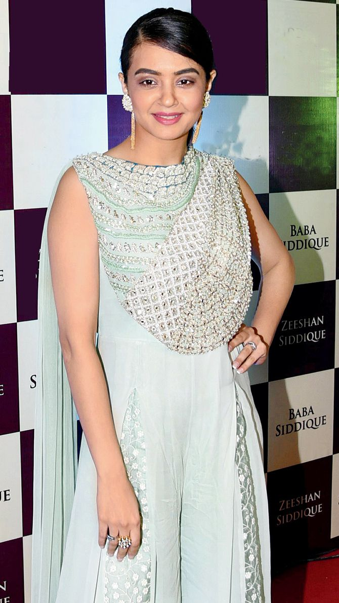 Surveen Chawla at Baba Siddique's iftar party. #Bollywood #Fashion #Style #Beauty #Hot #Desi #Ethnic