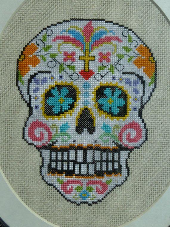 Cráneo del azúcar blanco punto de cruz patrón por HanksPatternPlace