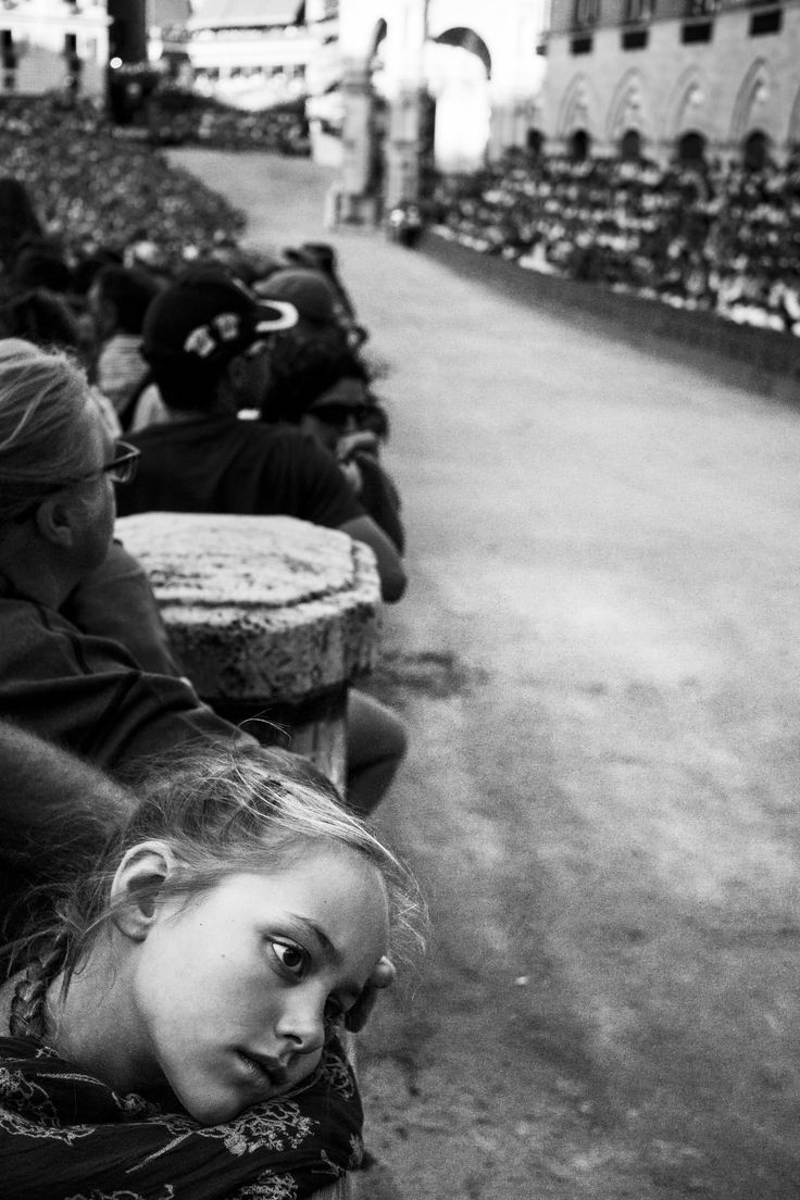 Waiting Palio - Siena 16.8.2014