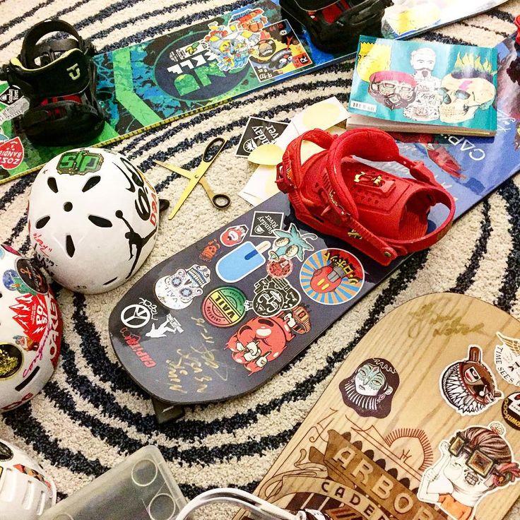 @yonsookwon: 그와 나는 어린이 입니다 #tuning#stickerart#스티커질#snowboard#play#이러고논다#stickerbomb#kidadult  Make your own sticker packs for as low as $9.99 at StickerYou: http://www.stickeryou.com/2/products/custom-stickers/335
