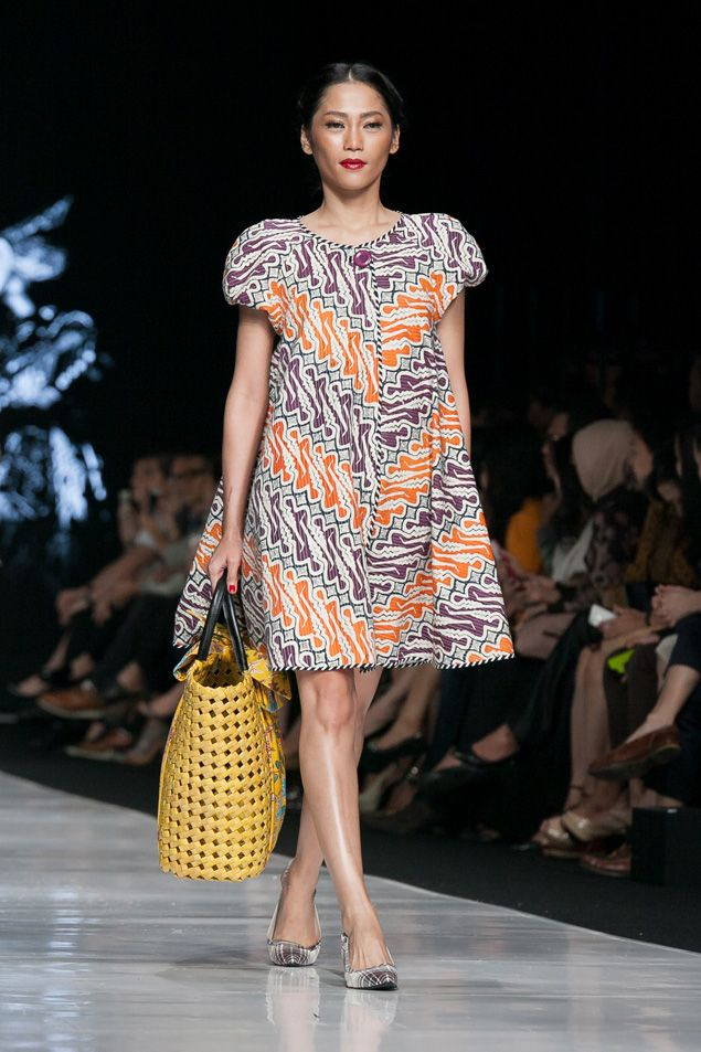 Jakarta Fashion Week 2014 – Edward Hutabarat – trop mign on