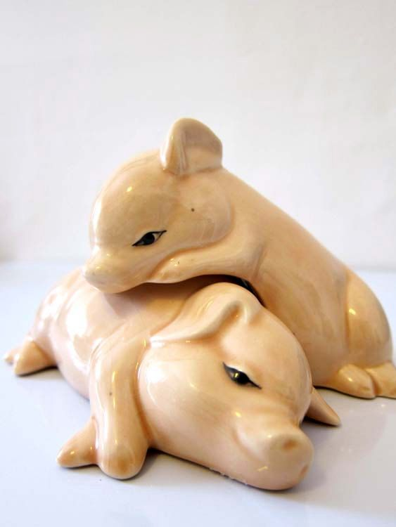 Snuggling Pig Salt and Pepper Shakers Vintage Japanese by dproject