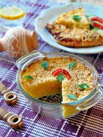 A lila-fehér tányéralátéteket és a kis agyag kaspót a SütniFőzni webáruház  biztosította.      Gyors hétköznapi étel, mely...